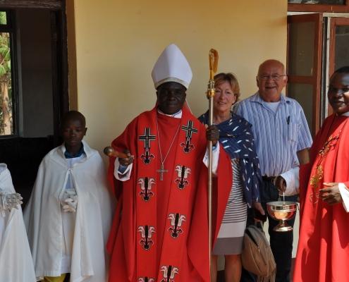 Bischof Maluma mit Gästen aus Ulm