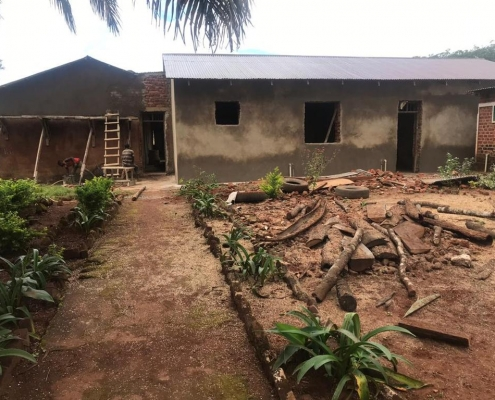 Renovierung der Pfarrei-eigenen Werkstätten in Mavanga